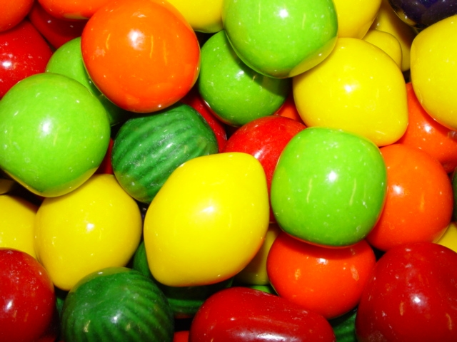 4739 - Mega Fruit (Huge Fruit-Shaped) 2�� Gumballs (138 ct.)