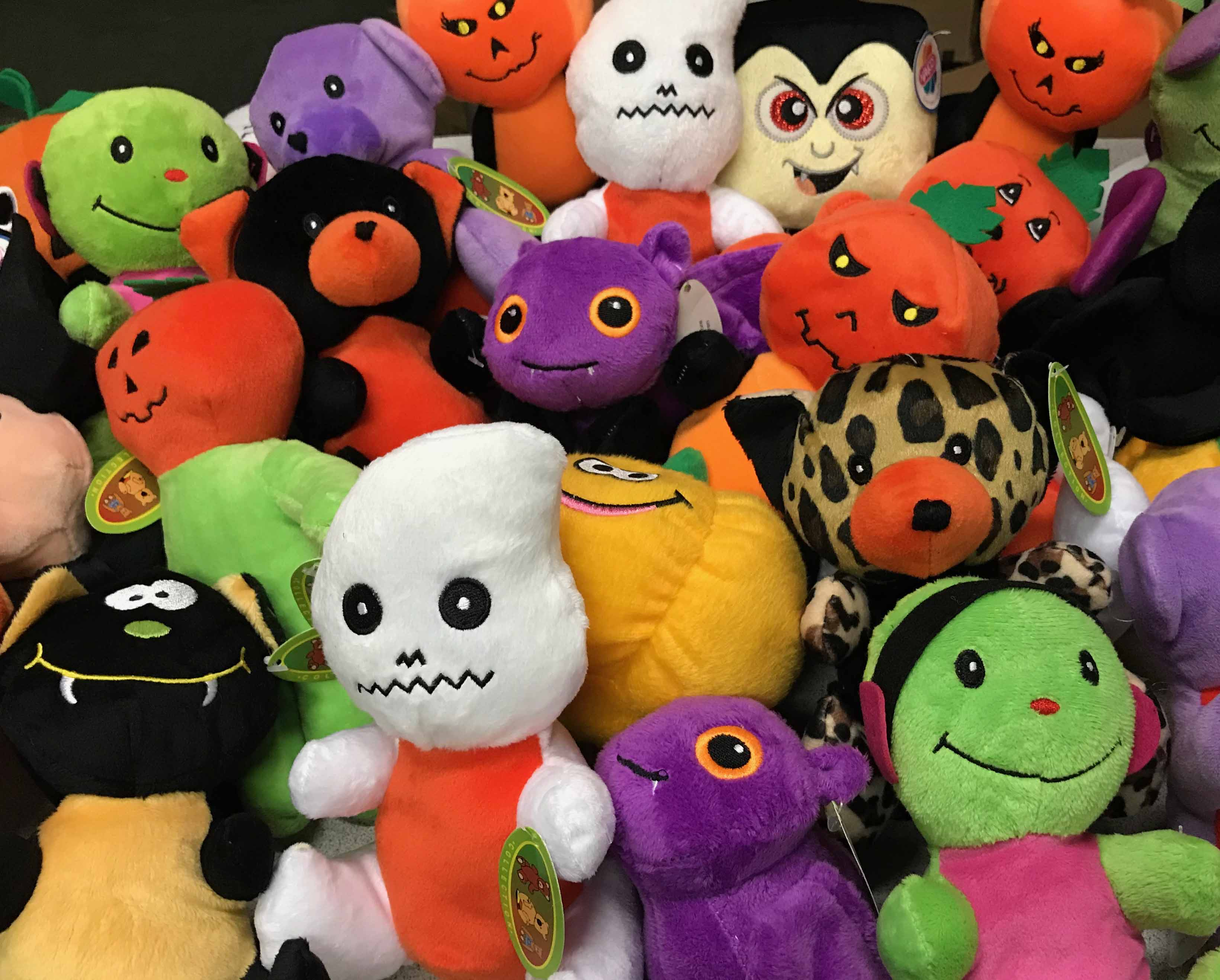 50-PLH79150 - SmartVending Halloween Plush Mix (Medium) 150 ct